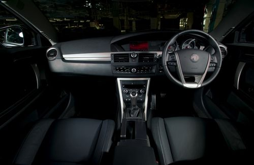 Mg6_tse_interior_front_s